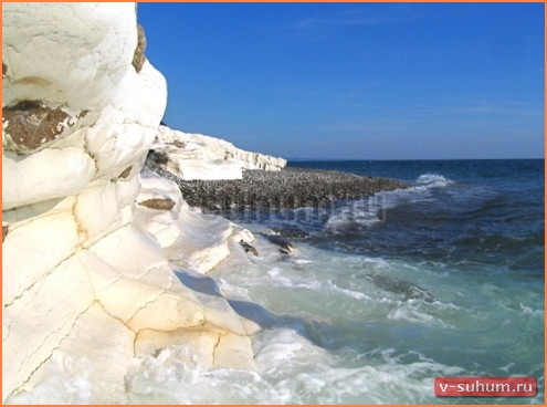 Пляжи Абхазии. Цандрипш, пляж Белые Скалы